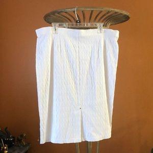Dresses & Skirts - White textured pencil skirt